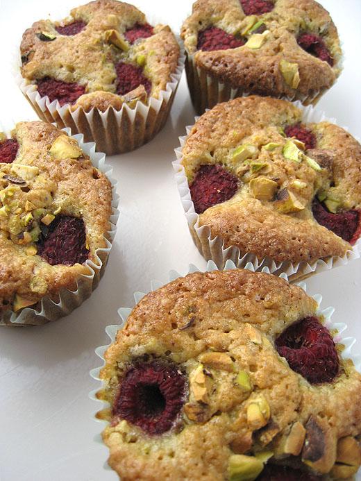 pistachio pistachio cupcakes with pistachio with raspberry pistachio ...